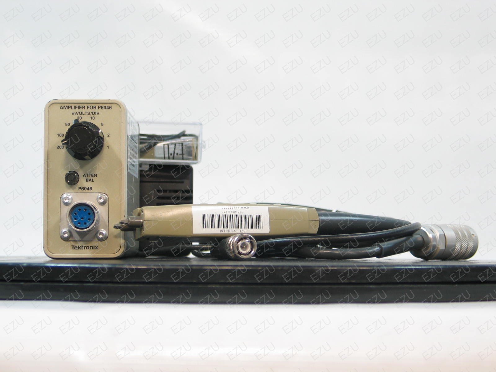 Tektronix P6046 Photo - Differential Probes